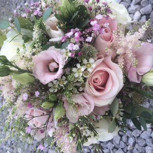 brides relaxed handtie roses