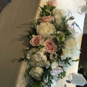 peony top table arrangement