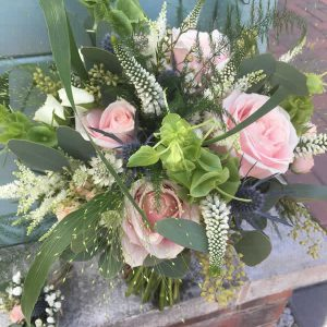 rustic pink wedding fowers